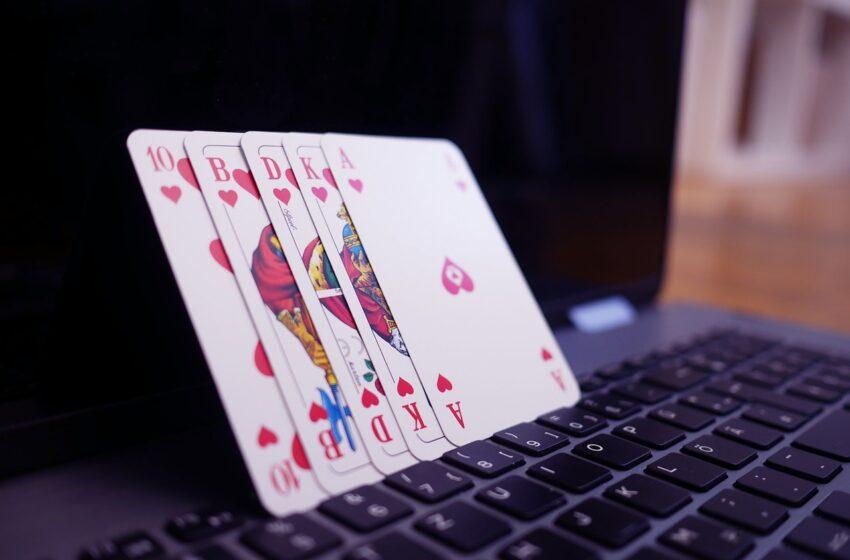 Anche il gioco d'azzardo diventa online