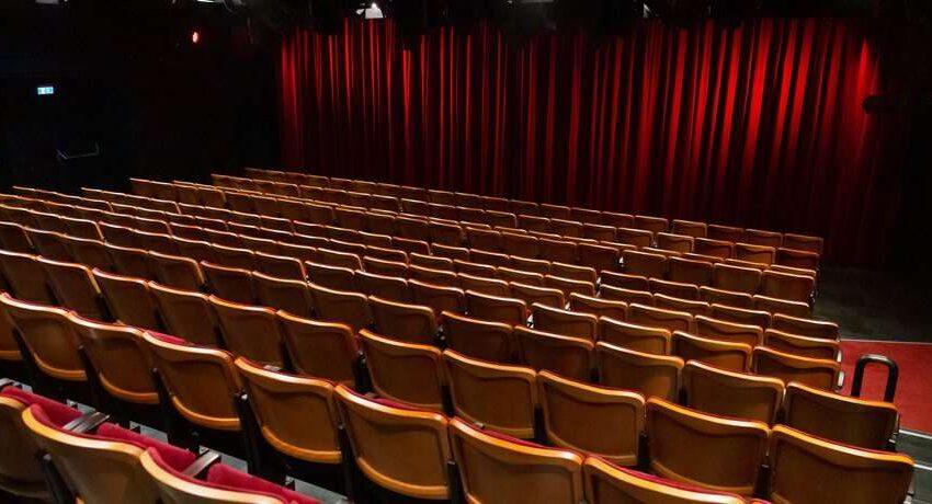 """Cinema in crisi: """"Si perde il film come esperienza collettiva"""""""